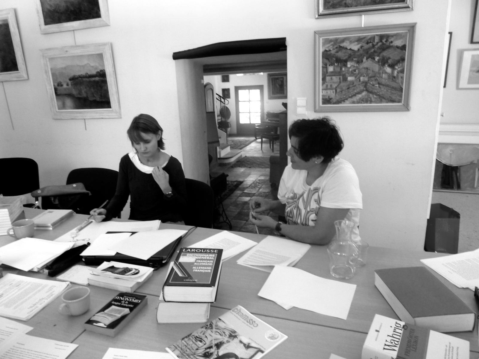 Christine Pfammatter en discussion avec sa traductrice Camille Luscher, Pourrières 2009