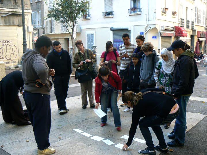 Action de rue, animée par Antonella Fiori, Marseille 2009